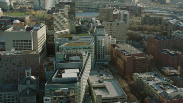 zoom in on massachusetts general hospital - massachusetts stock-videos und b-roll-filmmaterial