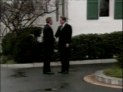 zoom in on president george w bush and al gore shaking hands washington dc dec 00 - gore stock videos and b-roll footage