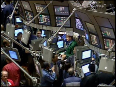 zoom in on the inner workings of the nyse. - wall street video stock e b–roll