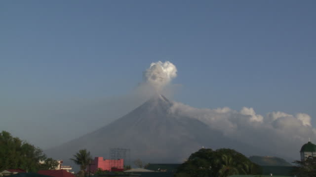 Zoom in on volcanic ash cloud erupting from large volcano, Philippines, Dec 2009