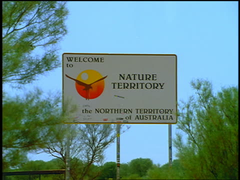 """zoom in SIGN - """"Welcome to Nature Territory"""" / Northern Territory, Australia"""