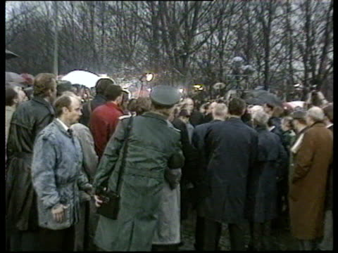 zoom in to chancellor helmut kohl crossing border between east and west berlin at brandenburg gate opening of berlin wall 12 dec 89 - bbc archive stock-videos und b-roll-filmmaterial