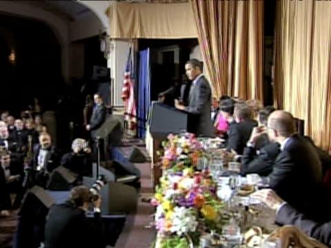 vídeos y material grabado en eventos de stock de zoom in to president barack obama addressing audience during white house correspondents' dinner washington d.c.; 9 may 2009 - number 9