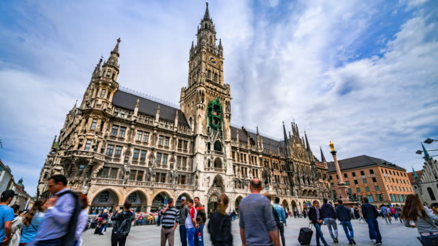 Zoom out 4K Time-lapse : Marienplatz with crowd tourist