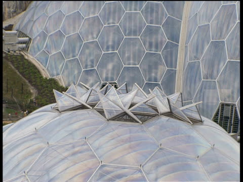 zoom out from biomes of eden project st austell - st austell stock videos & royalty-free footage