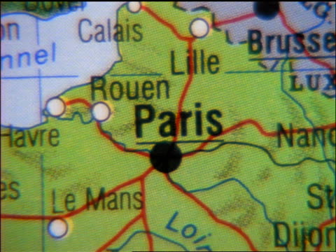 zoom out from close up of Paris on map