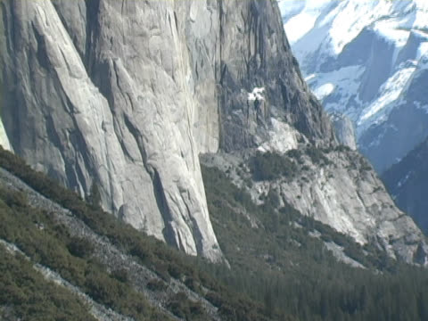 zoom out from el capitan in yosemite - el capitan yosemite national park stock videos and b-roll footage