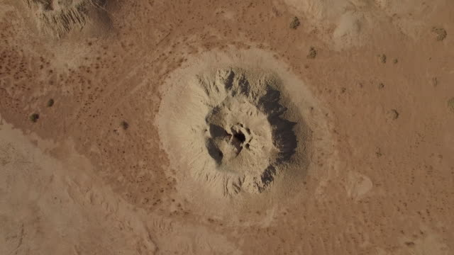 zoom out shot of sandy landscape - meteor stock videos & royalty-free footage