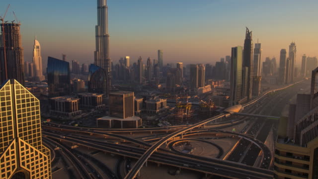 Zoom out time lapse in Dubai