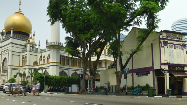 zoom out time lapse little india street view, singapore - building entrance stock videos & royalty-free footage