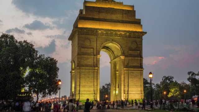 zoom out time laspe at india gate - gate stock videos & royalty-free footage