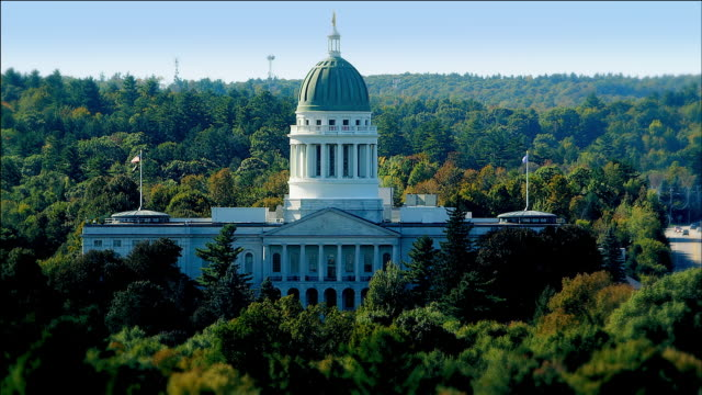 zoom out to wide shot of maine state house, augusta, maine - augusta maine stock videos & royalty-free footage