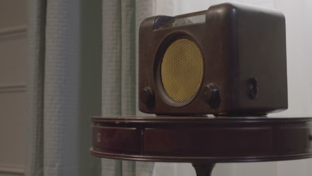 zooming in shot of a vintage radio - furniture stock videos & royalty-free footage