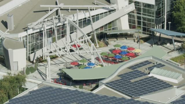 zooming out shot of an outdoor area in the google campus - silicon valley stock videos & royalty-free footage