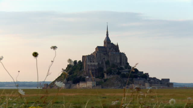 Zoom-out of the Beautiful Mont Saint Michel