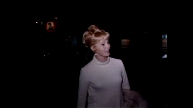 stockvideo's en b-roll-footage met zsa zsa gabor receives eddie cantor award at the beverly hilton hotel in beverly hills ca - beverly hilton hotel