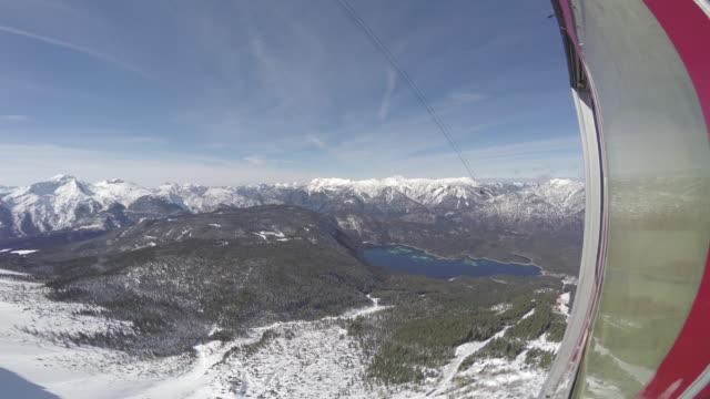 vídeos de stock, filmes e b-roll de zugspitze ski20 - montanha zugspitze