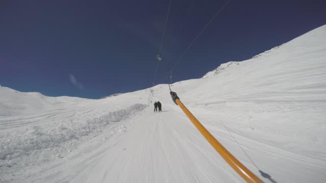 vídeos de stock, filmes e b-roll de zugspitze ski22 - montanha zugspitze