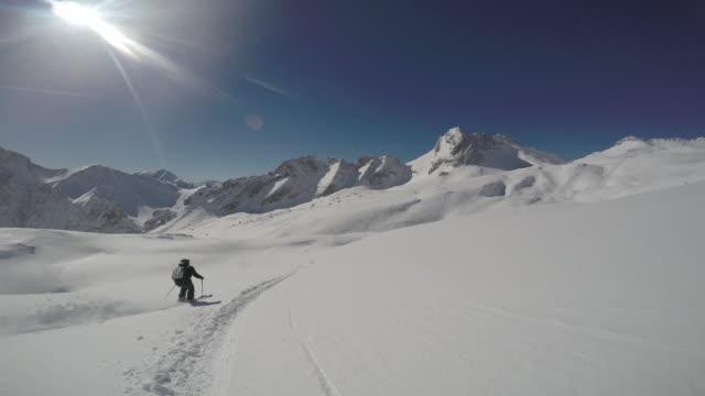 zugspitze ski7 - garmisch partenkirchen stock videos & royalty-free footage