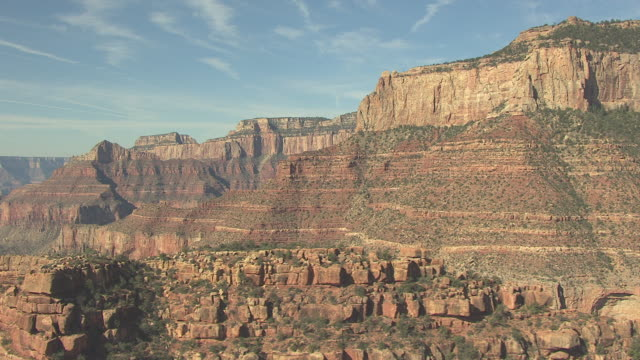 stockvideo's en b-roll-footage met ws aerial zuni point canyon and temples in grand canyon north rim / arizona, united states - zuni