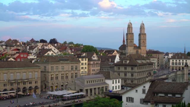 Zurich Skyline with Grossmünster, panning