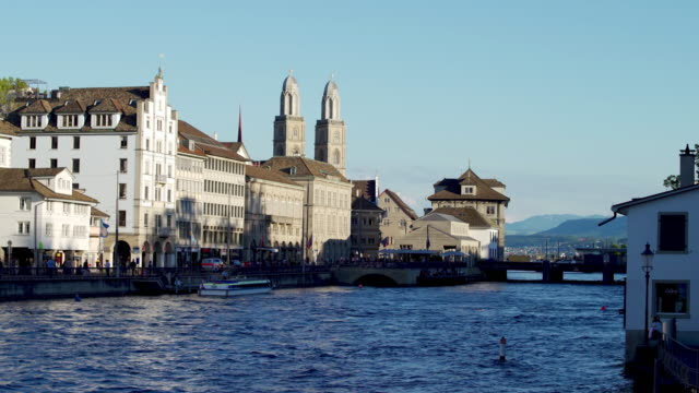 vidéos et rushes de zurich, suisse - ligne de tramway